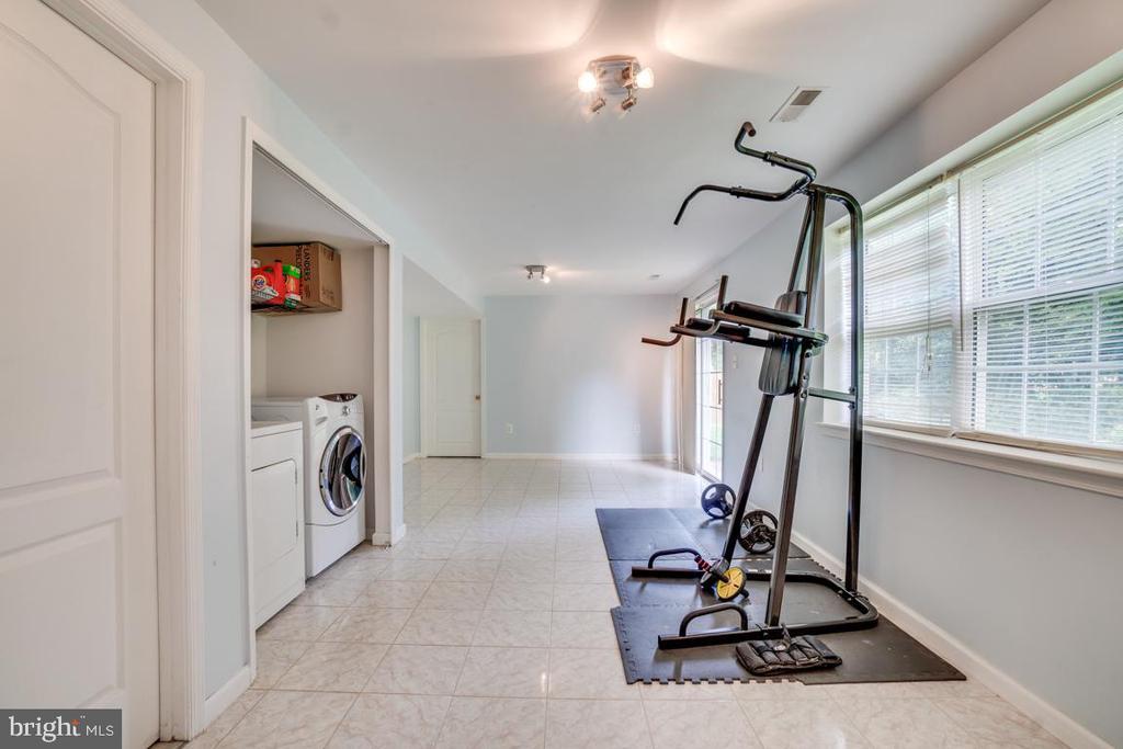 Basement-ceramic floor-laundry room #2 - 5075 HIGGINS DR, DUMFRIES