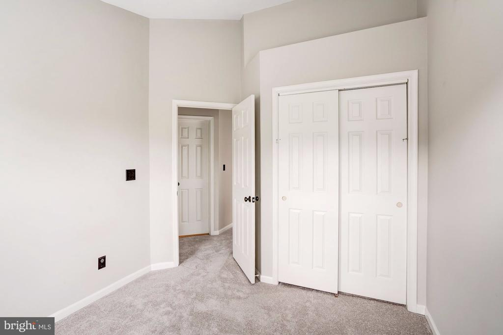 2nd Bedroom - 2558 JAMES MADISON CIR, HERNDON