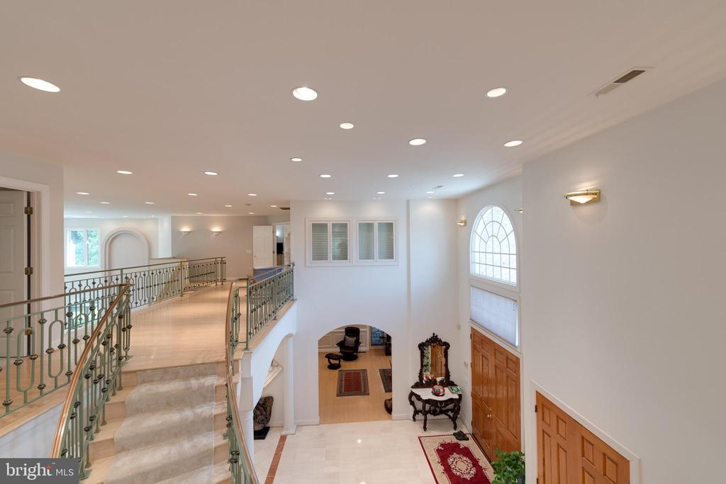 Two story foyer - 2108 SAHALEA TER, SILVER SPRING