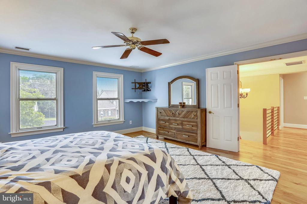 Owners suite offers ceiling fan - 1012 MERCER, FREDERICK