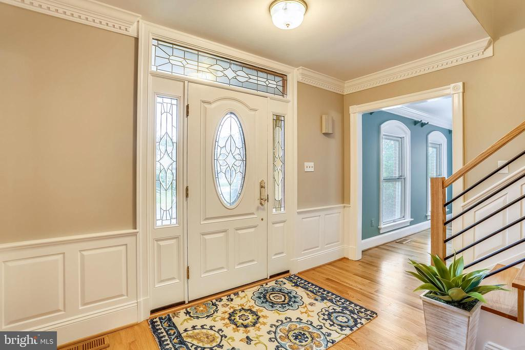 Foyer with hardwood floors - 1012 MERCER, FREDERICK