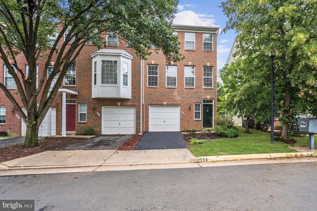 Welcome Home to 2558 James Madison Cir! - 2558 JAMES MADISON CIR, HERNDON