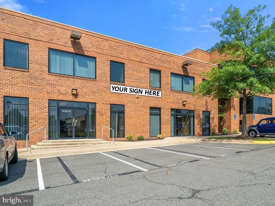 Single Family Homes 為 出售 在 Chantilly, 弗吉尼亞州 20151 美國