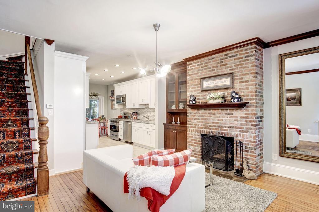 Living Area - 217 9TH ST NE, WASHINGTON
