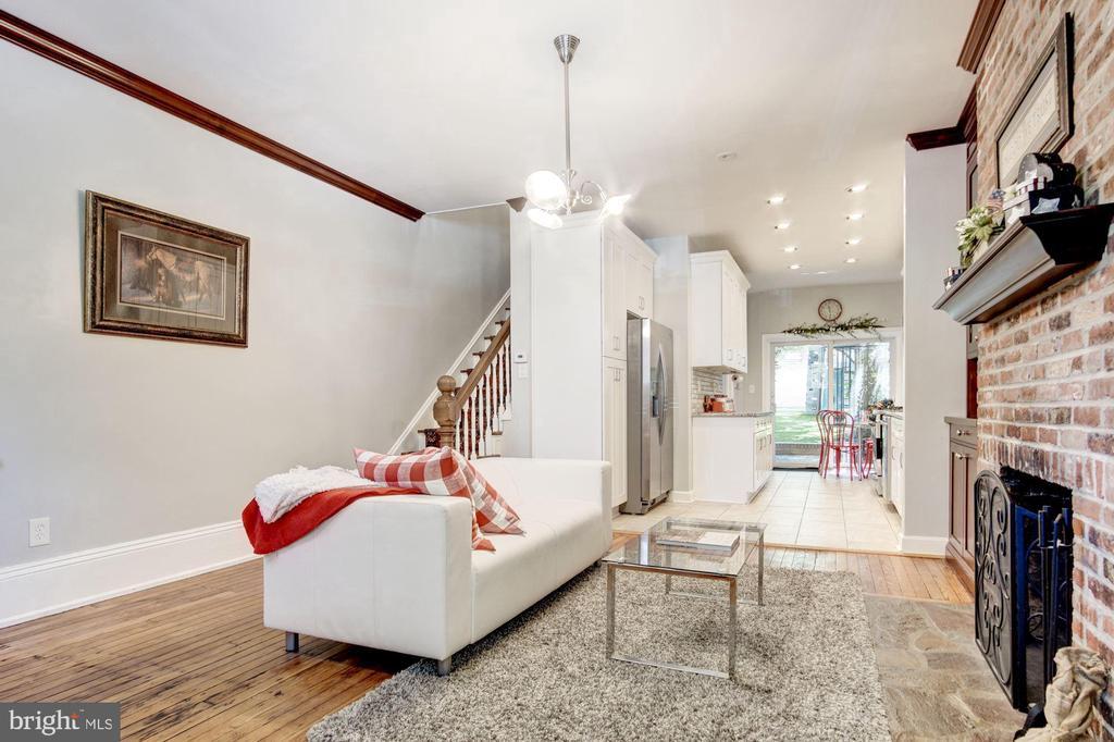 Living Area/Fireplace - 217 9TH ST NE, WASHINGTON