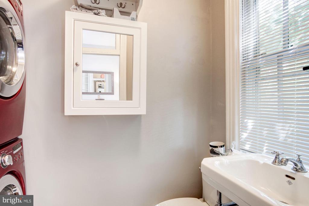 Bathroom/Laundry - 217 9TH ST NE, WASHINGTON