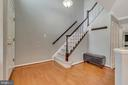 Beautiful foyer with hardwood floors - 46796 FAIRGROVE SQ, STERLING