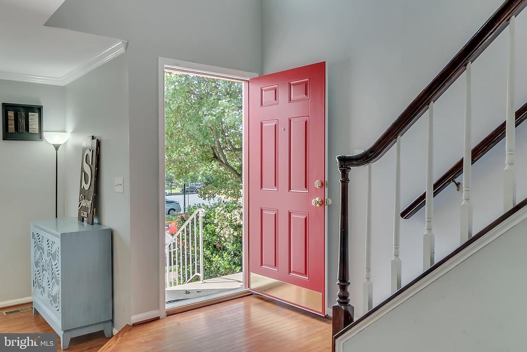 Fiber glass door replaced in 2018 - 46796 FAIRGROVE SQ, STERLING