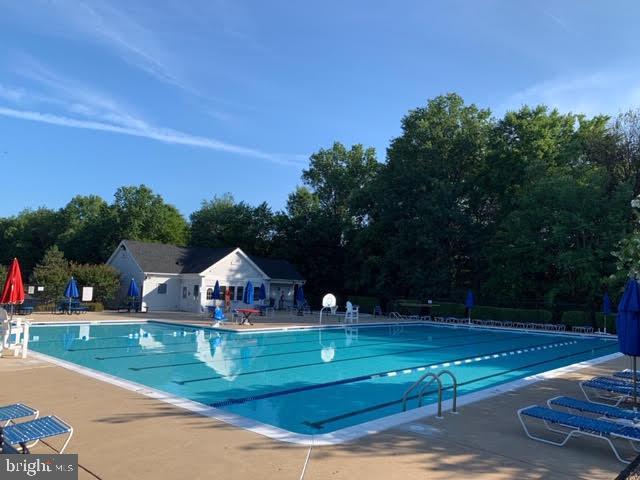 Community pool - 46796 FAIRGROVE SQ, STERLING