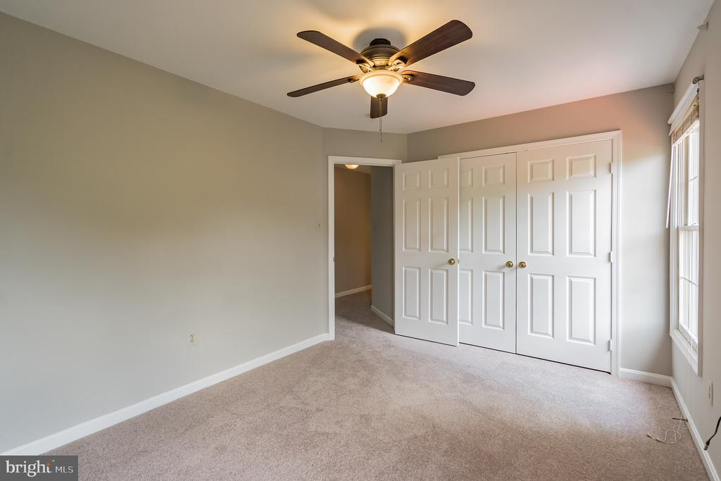 MASTER SUITE WITH LARGE CLOSETS. - 1 WREN WAY CT, STAFFORD
