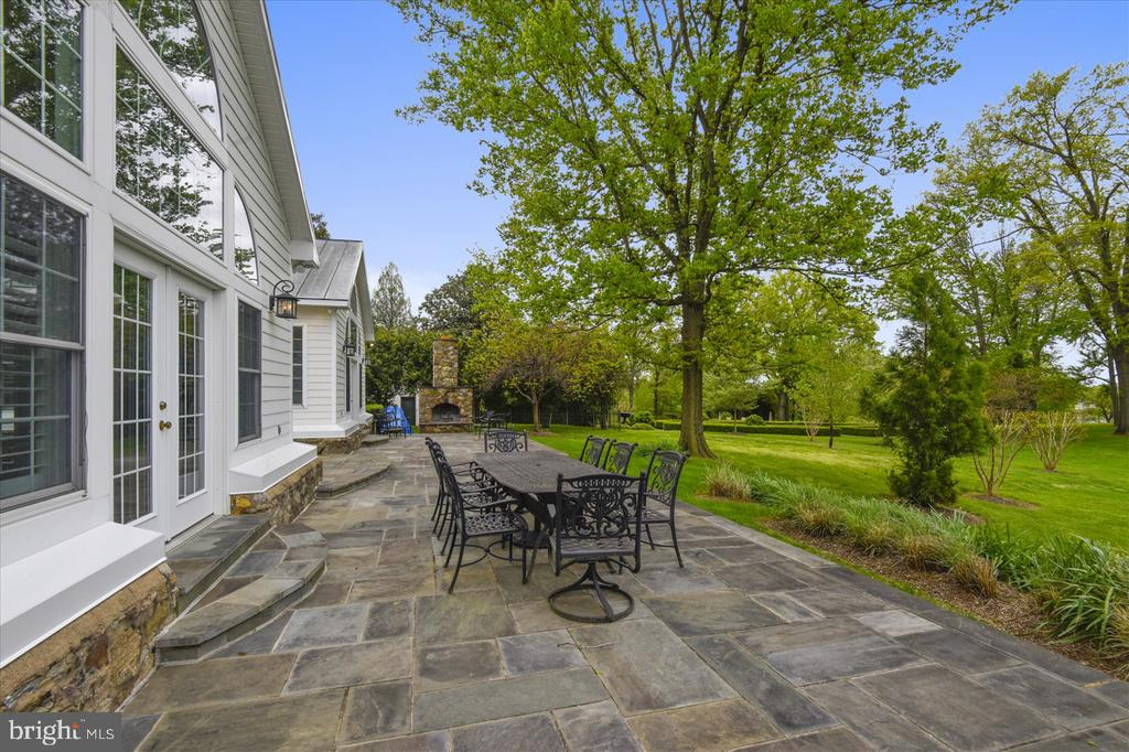 Patio - 22282 CATESBY FARM LN, MIDDLEBURG