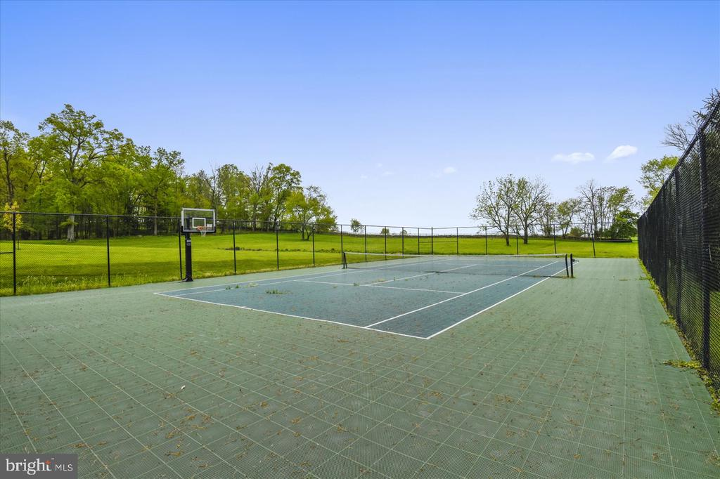 Tennis Court - 22282 CATESBY FARM LN, MIDDLEBURG