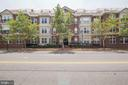 Really Lovely Curb Appeal! - 828 SLATERS LN #105, ALEXANDRIA
