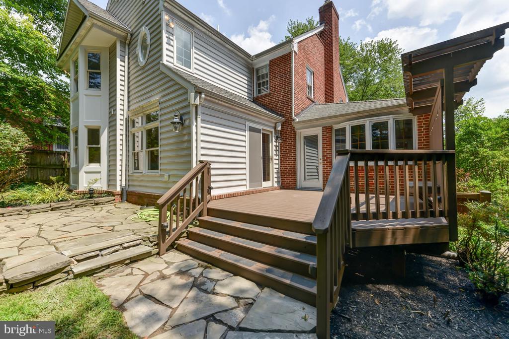 Back deck and patio - 4513 EDGEFIELD RD, KENSINGTON