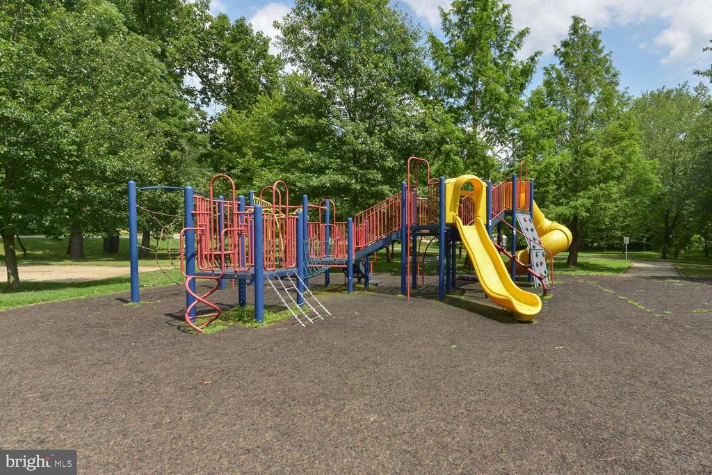 Playground nearby - 4513 EDGEFIELD RD, KENSINGTON
