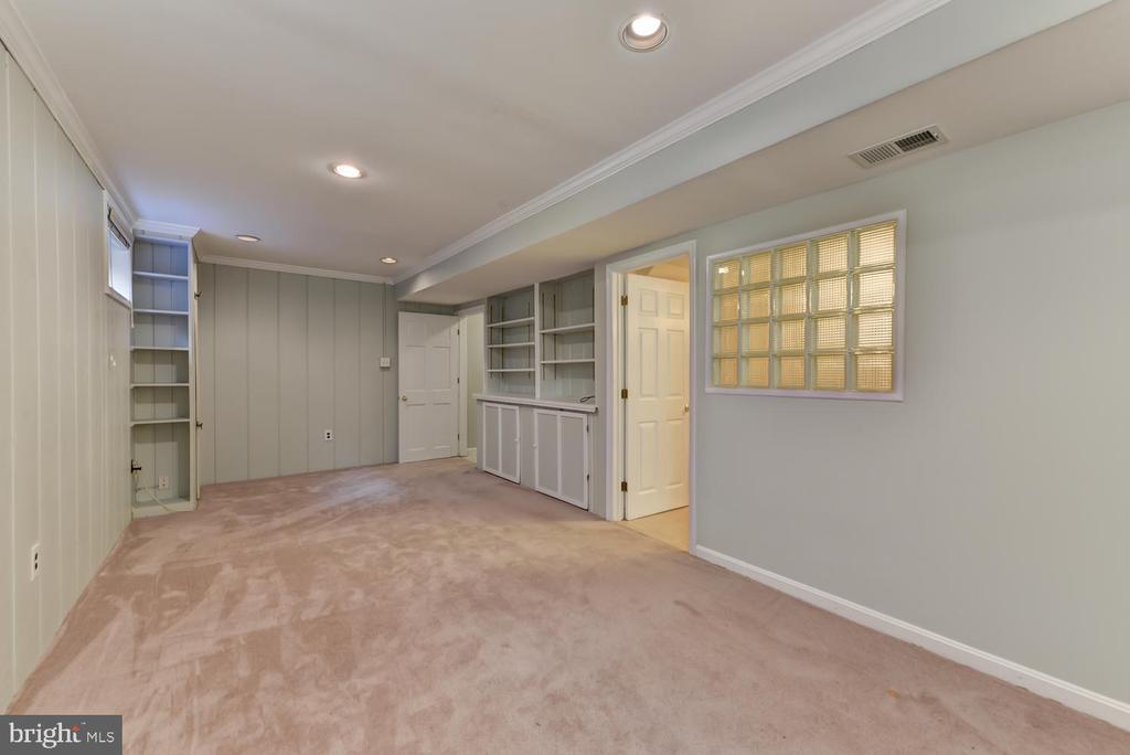 Lower level family room - 4513 EDGEFIELD RD, KENSINGTON