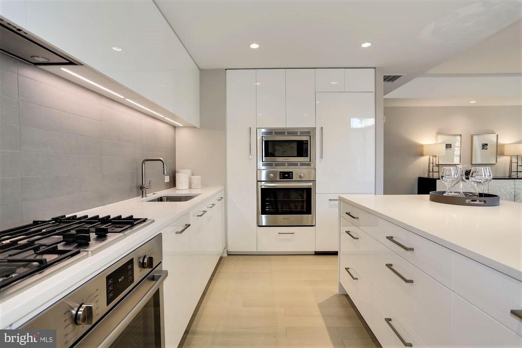 Sleek Italian Kitchens - 1111 24TH ST NW #51, WASHINGTON