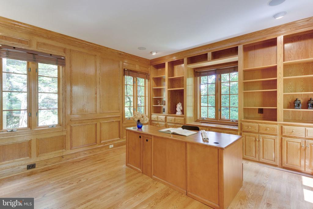 Private library/office - 3111 WINDSONG DR, OAKTON