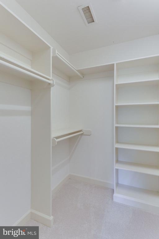closet bedroom 4 - 3111 WINDSONG DR, OAKTON