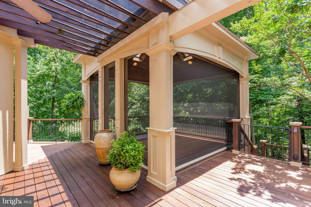 Porch with motorized wall panels - 3111 WINDSONG DR, OAKTON