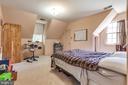 - 7144 MANOR HOUSE DR, WARRENTON