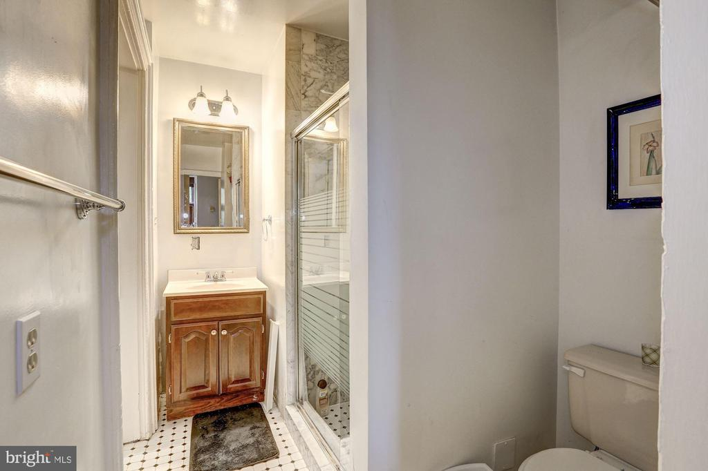 Unit 1 -  Full Bath - 421 T ST NW, WASHINGTON