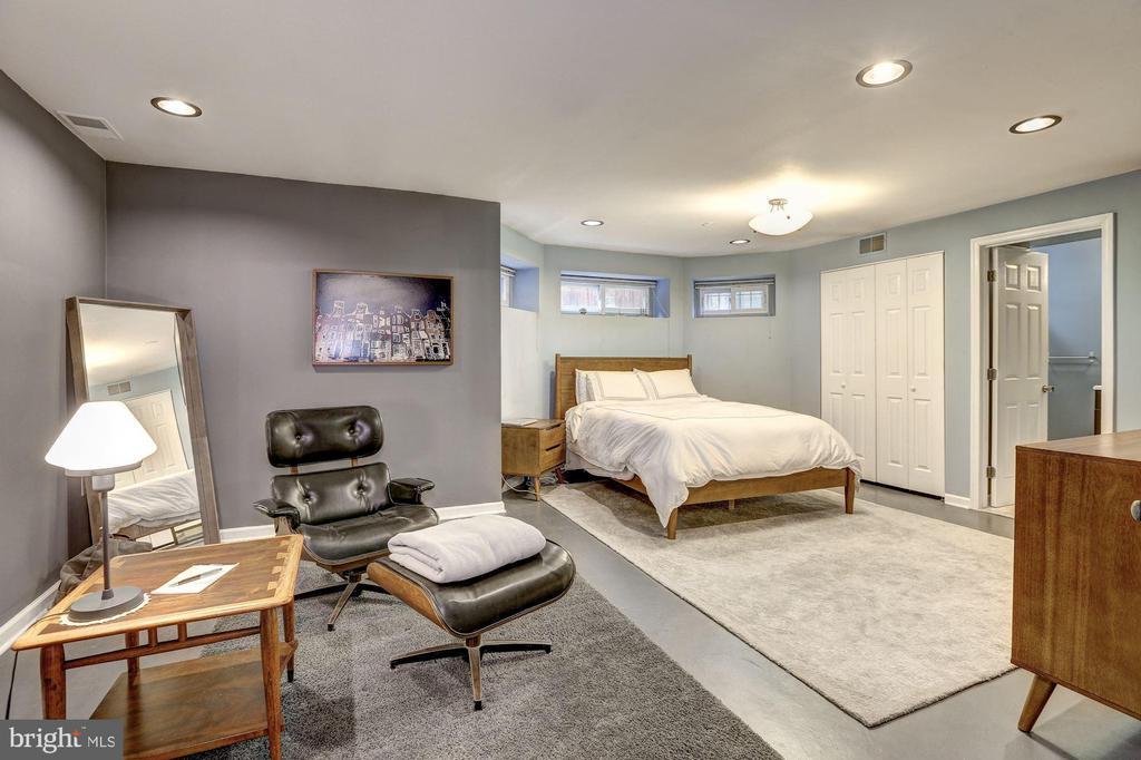 Unit 2 - Bedroom - 421 T ST NW, WASHINGTON