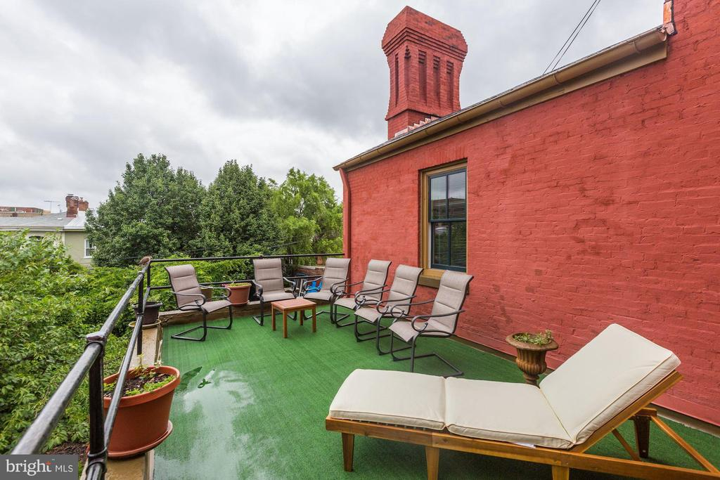 Roof Deck - 421 T ST NW, WASHINGTON