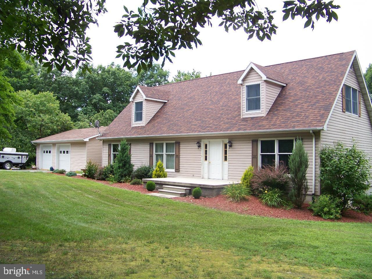 Single Family Homes 용 매매 에 Fort Ashby, 웨스트버지니아 26719 미국