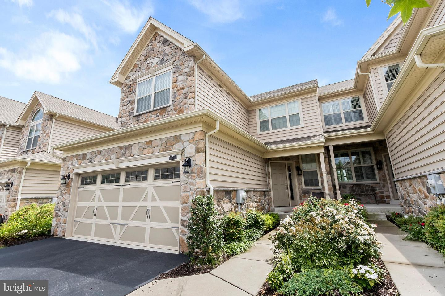 Photo of home for sale at 3 Jasmine Court, Malvern PA