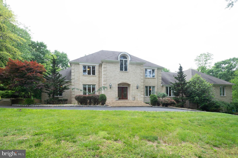 Single Family Homes para Venda às Millstone Township, Nova Jersey 08535 Estados Unidos