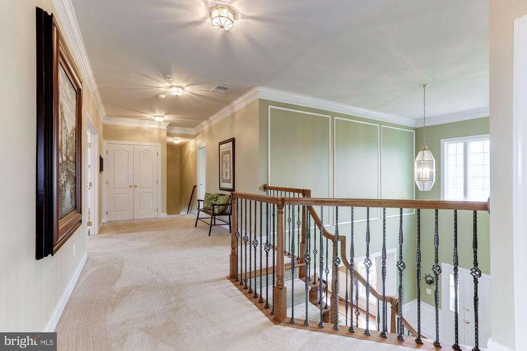 Upper Level dual staircase - 15180 BANKFIELD DR, WATERFORD