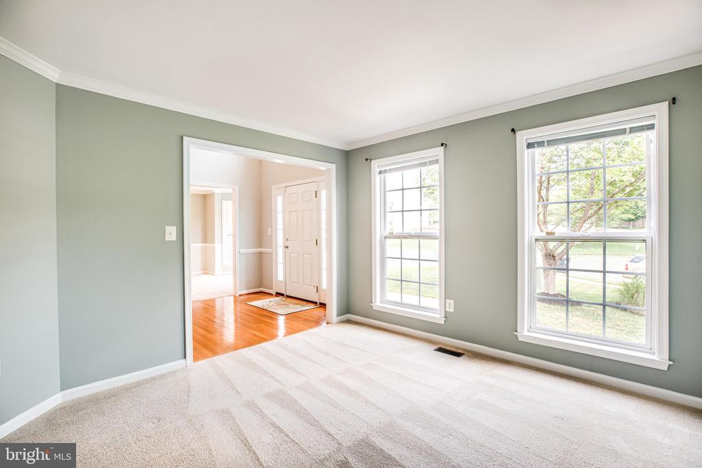 Formal living room with lots of natural light - 22 SAINT CHARLES CT, STAFFORD