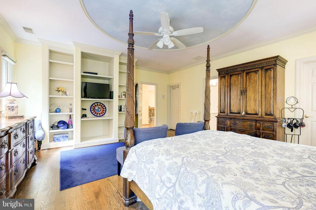 Bed 5 w/ built in book case - 11552 MANORSTONE LN, COLUMBIA