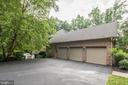 Attached 3 car garage - 11552 MANORSTONE LN, COLUMBIA