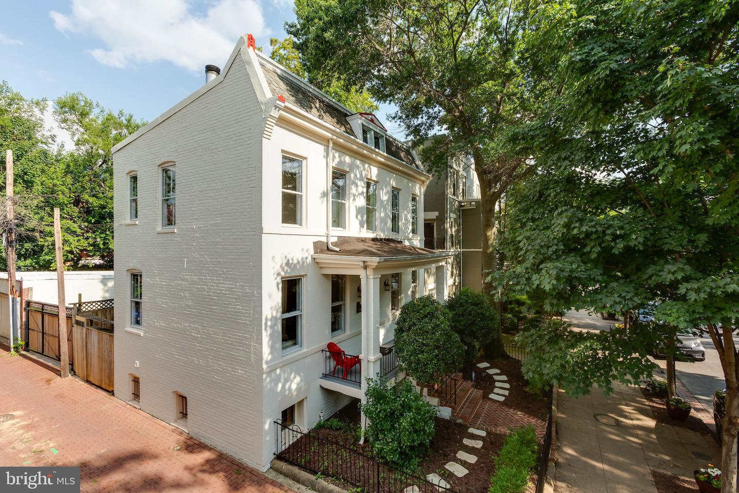 Single Family for Sale at 209 11th St NE 209 11th St NE Washington, District Of Columbia 20002 United States