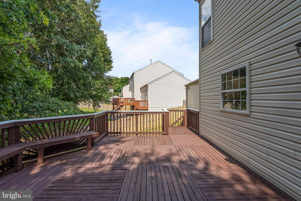 Bring the patio furniture and the grill. - 31 AURELIE DR, FREDERICKSBURG