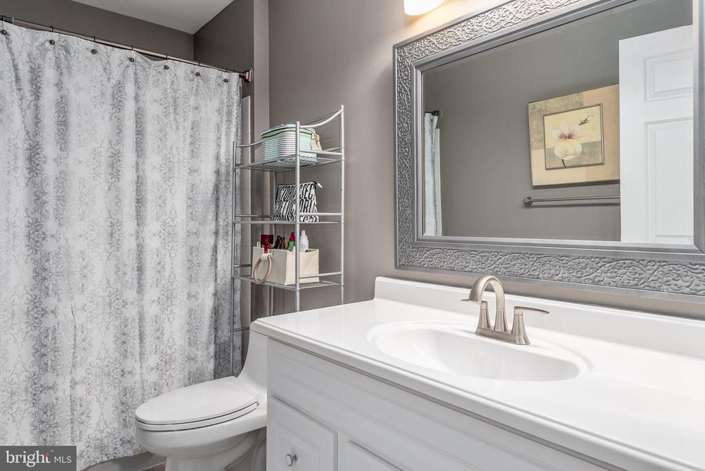 New vanity with lots of storage. - 31 AURELIE DR, FREDERICKSBURG