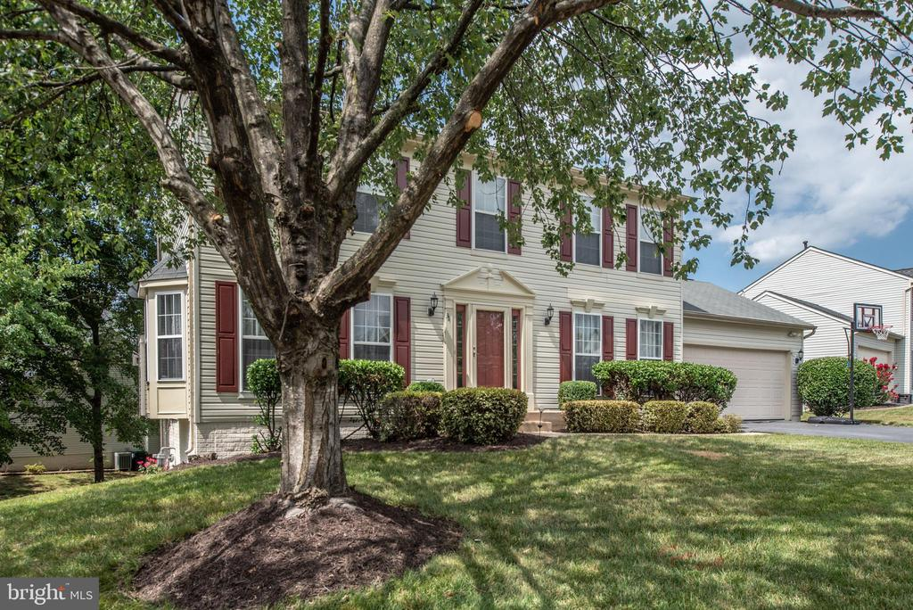 Corner lot with mature trees. - 31 AURELIE DR, FREDERICKSBURG