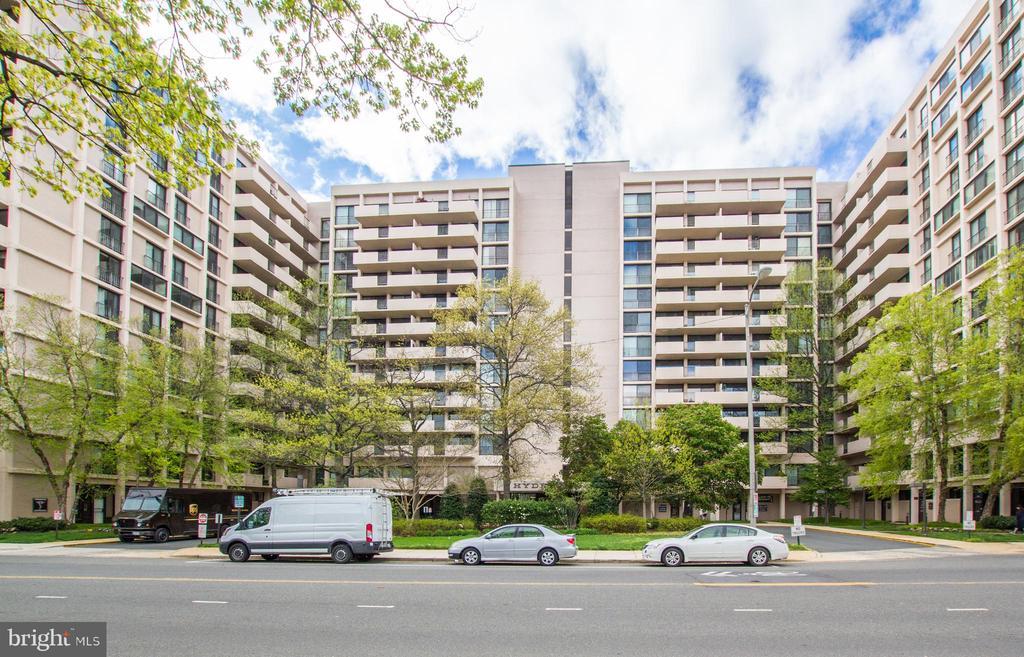 Exterior - 4141 HENDERSON RD #815, ARLINGTON