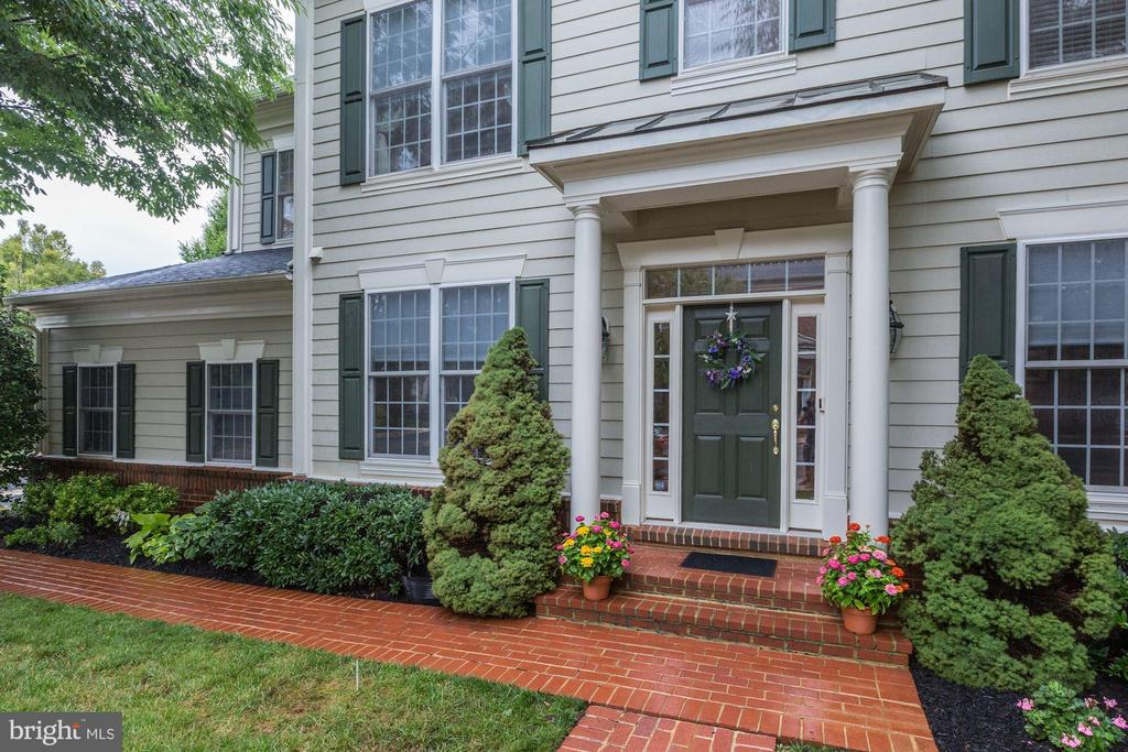 Welcome to 43685 Warbler Square - 43685 WARBLER SQ, LEESBURG