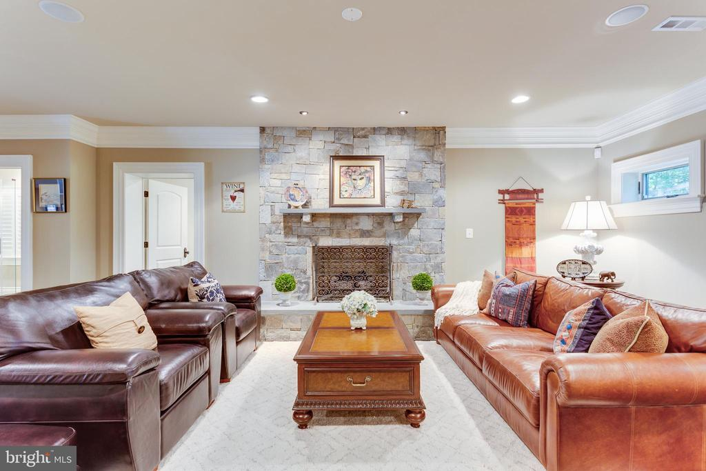 Gorgeous Stone Wood-burning FP in LL Family Rm. - 334 AYR HILL AVE NE, VIENNA
