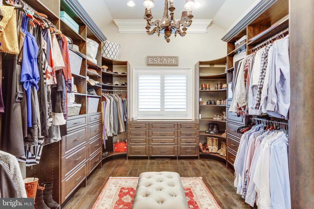 Enormous Master Closet/Dressing Room. - 334 AYR HILL AVE NE, VIENNA
