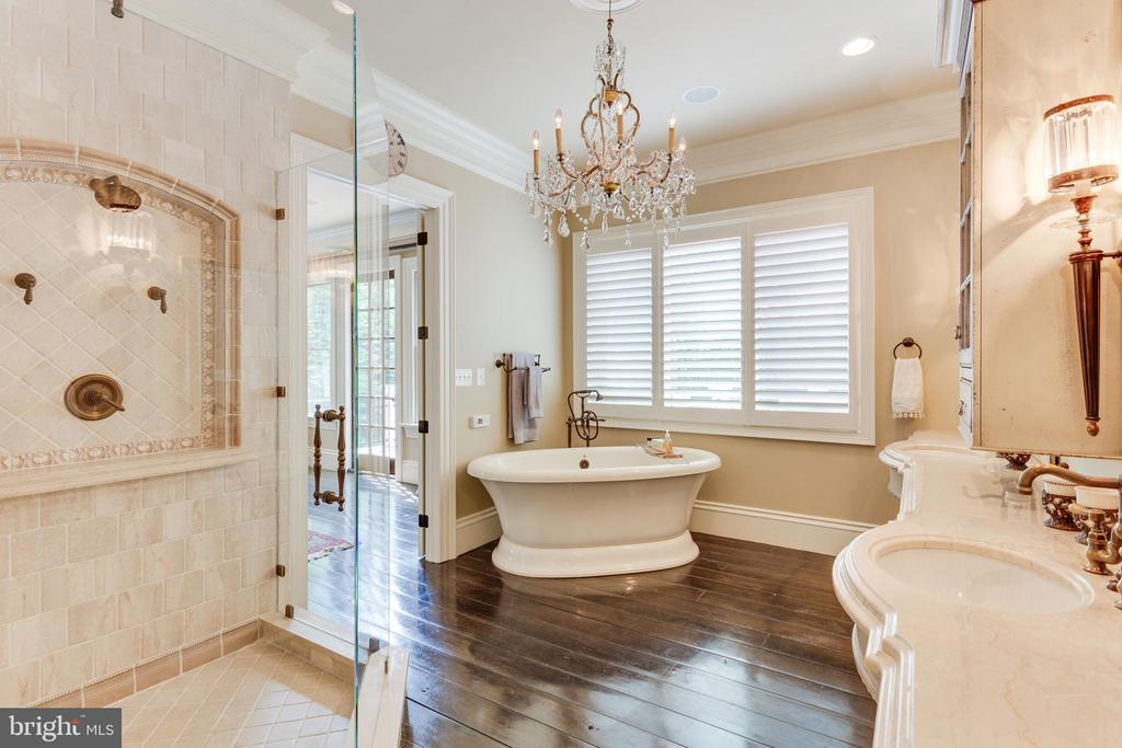 Exquisite Master Bath. - 334 AYR HILL AVE NE, VIENNA