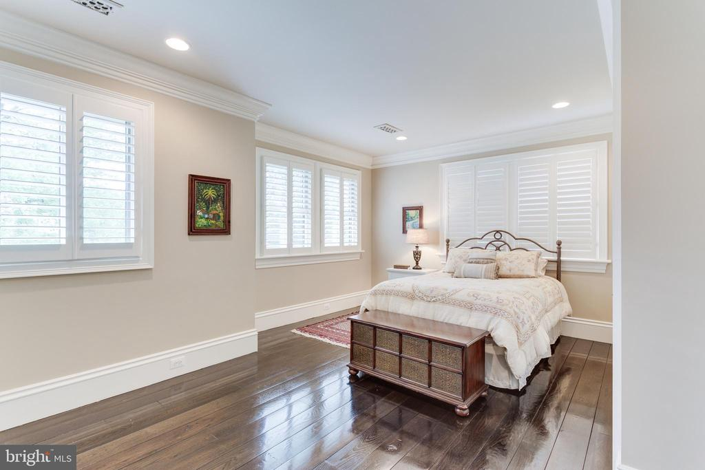 Bedroom 2... all have Plantation Shutters. - 334 AYR HILL AVE NE, VIENNA