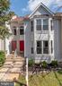 Welcome home! - 46796 FAIRGROVE SQ, STERLING