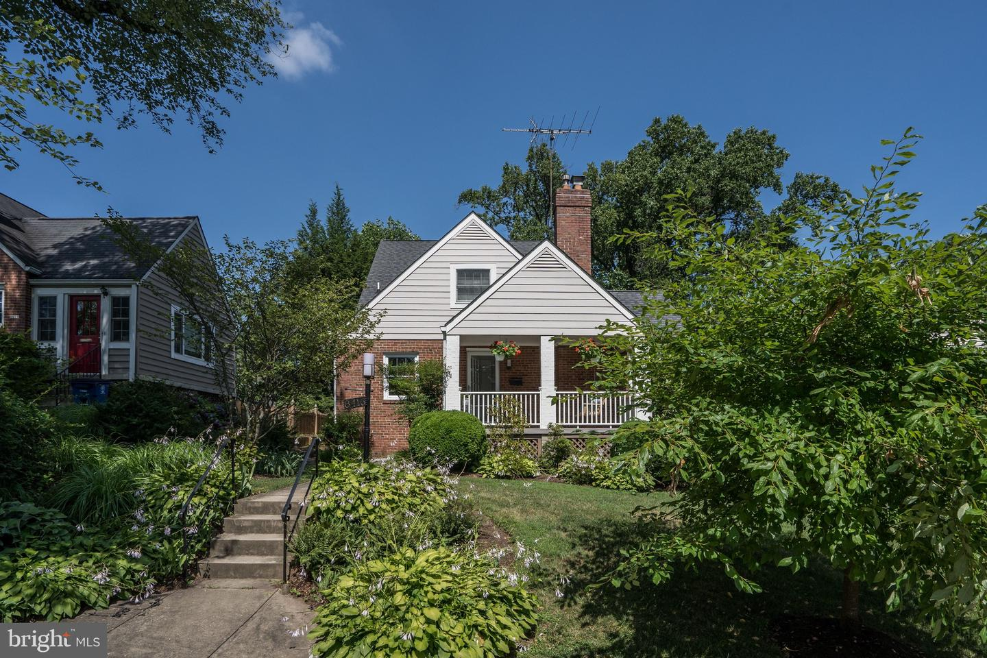 Single Family for Sale at 8416 Queen Anne's Dr 8416 Queen Anne's Dr Silver Spring, Maryland 20910 United States