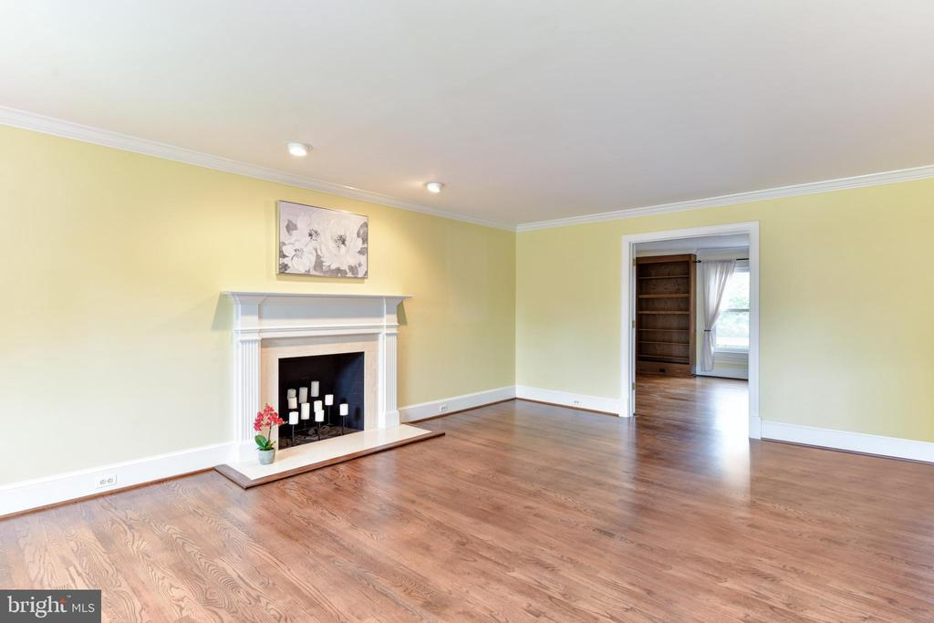 Living Room - 4201 KIMBRELEE CT, ALEXANDRIA