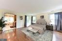Master bedroom suite - 4201 KIMBRELEE CT, ALEXANDRIA