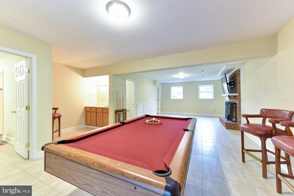 Game room - 4201 KIMBRELEE CT, ALEXANDRIA
